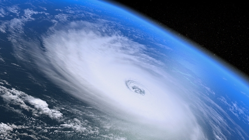 How electric companies can effectively prepare for large-scale hurricanes